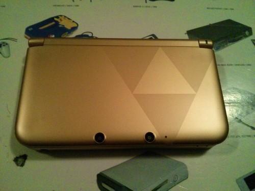 3DS von oben mit Triforce